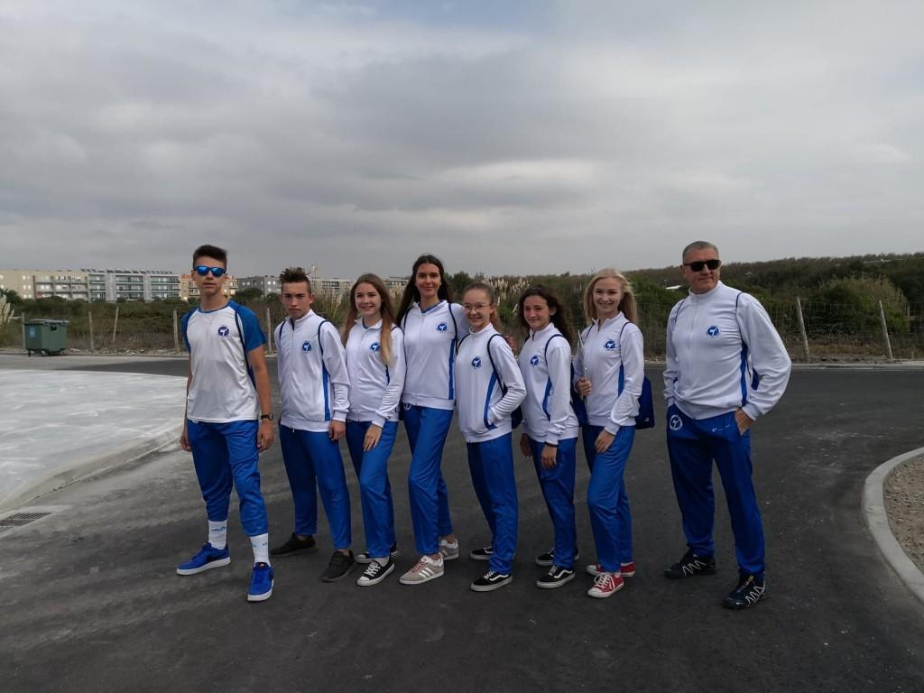 Zawodnicy, prezentujący nowe dresy w Portugalii